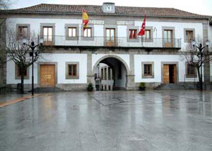 Kyocera reduce los gastos de impresi n en el ayuntamiento for Piscina climatizada san martin de valdeiglesias